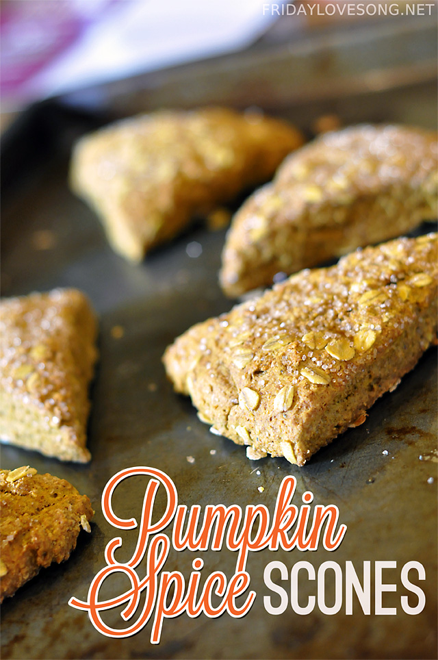 Pumpkin Spice Scones + Pumpkin Pie Spice Recipe | fridaylovesong.net