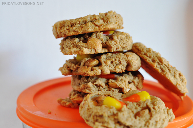 Candy Corn Peanut Butter Protein Cookies | fridaylovesong.net