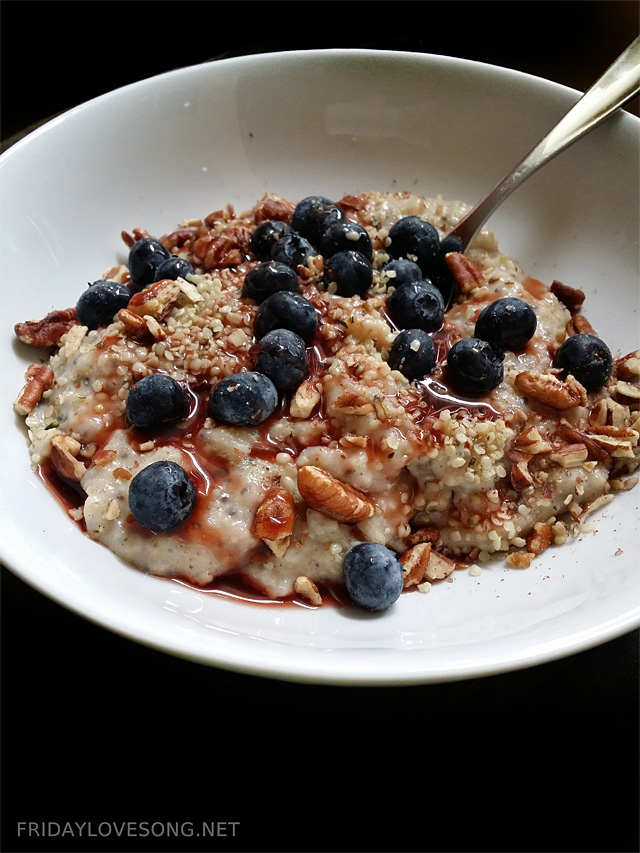 Oatmeal with blueberries hemp seeds and pecans | fridaylovesong.net #wiaw #oatmeal