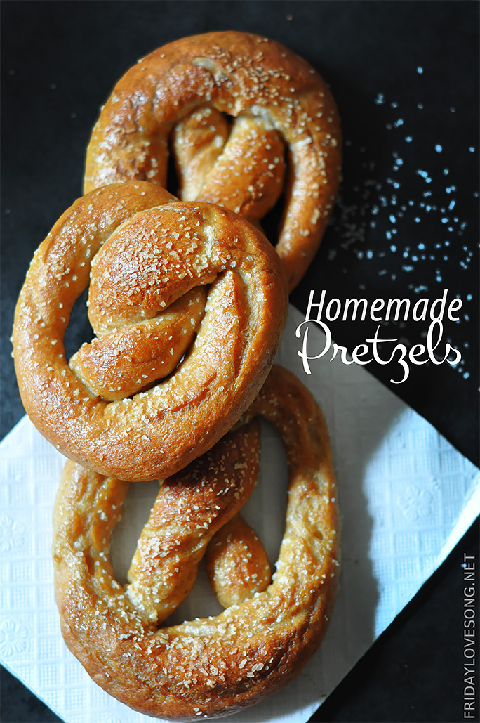 Homeade Salted Pretzels Recipe | fridaylovsong.net  #pretzels #baking
